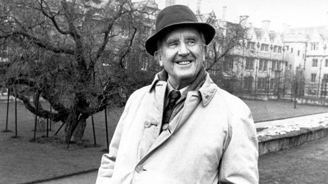 tolkien, ¿Por qué Tolkien siempre será recordado, pero Meyers no?