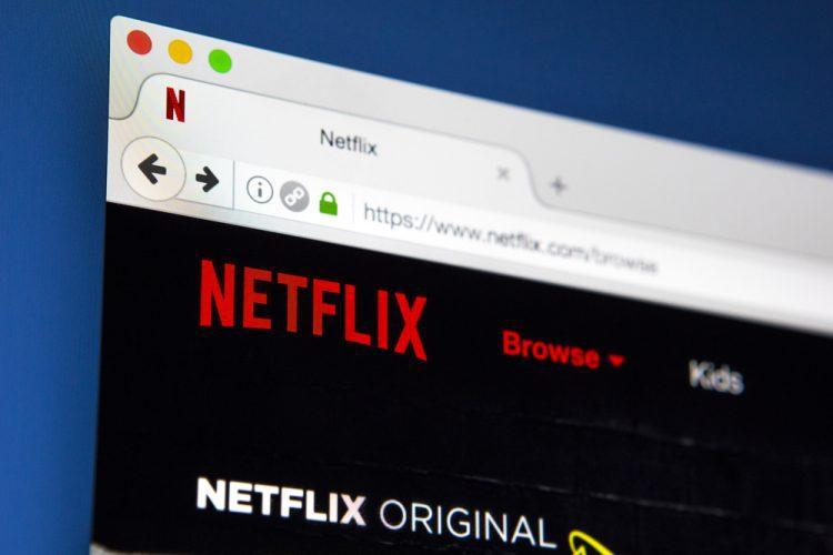 Series de netflix, 4 series de Netflix que debes ver si eres un ávido lector