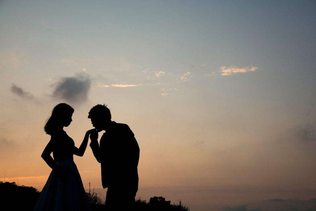 romance, El romance en las historias de fantasía y por qué (usualmente) no es el enfoque principal